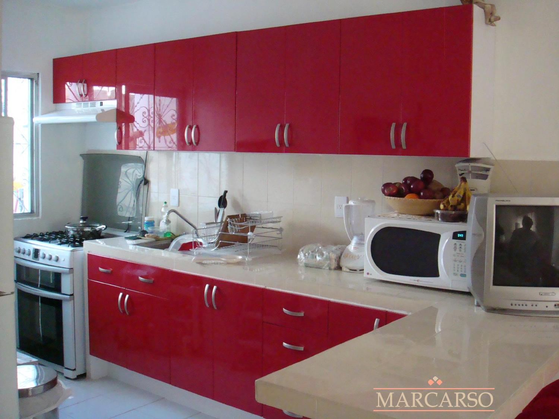 Cocinas integrales marcarso decoraci n de interiores - Cocinas de color rojo ...